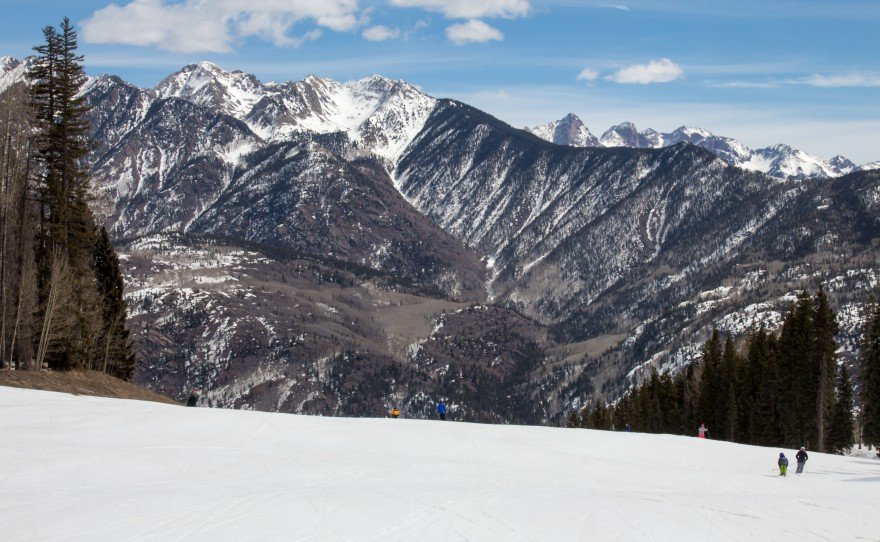 Fall Fund Drive Ski Day, with prizes from Wolf Creek, Overlook Hot Springs, and Purgatory, plus great local guests
